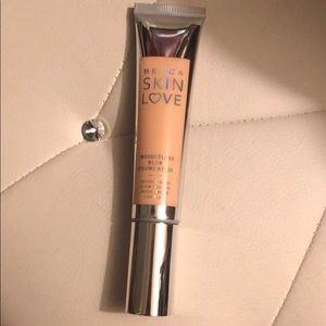 Becca skin love foundation